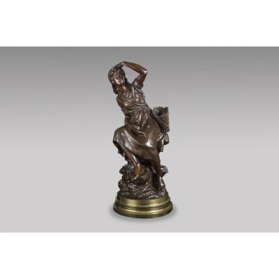 La Ramasseuse De Moules  Sculpture En Bronze De Mathurin Moreau (1822-1912)