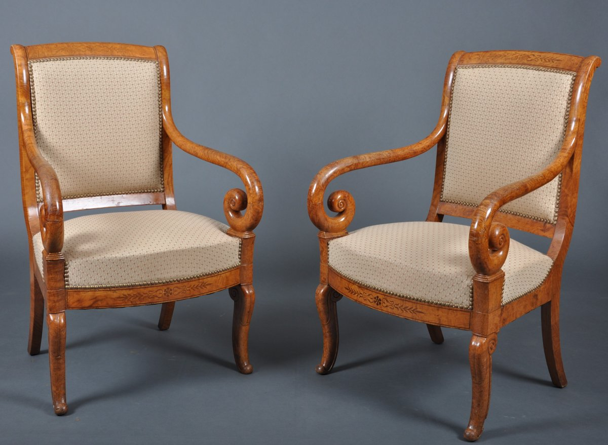 Paire de fauteuils d'époque Charles X en frêne.