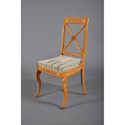 Chaise à croisillons d'époque Charles X en érable moucheté, estampillée Jeanselme.