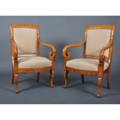 Paire de fauteuils d'époque Charles X en érable.