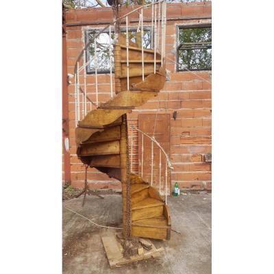 Escalier A Colimaçon En Bois Et  Métal
