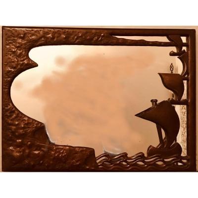 Miroir En Cuivre Repoussé à à Décor Marin - XXème