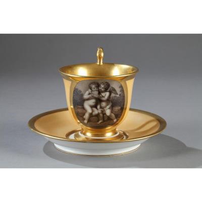 HALLEY : Tasse et soucoupe en porcelaine de Paris. Premier quart du 19ème siècle