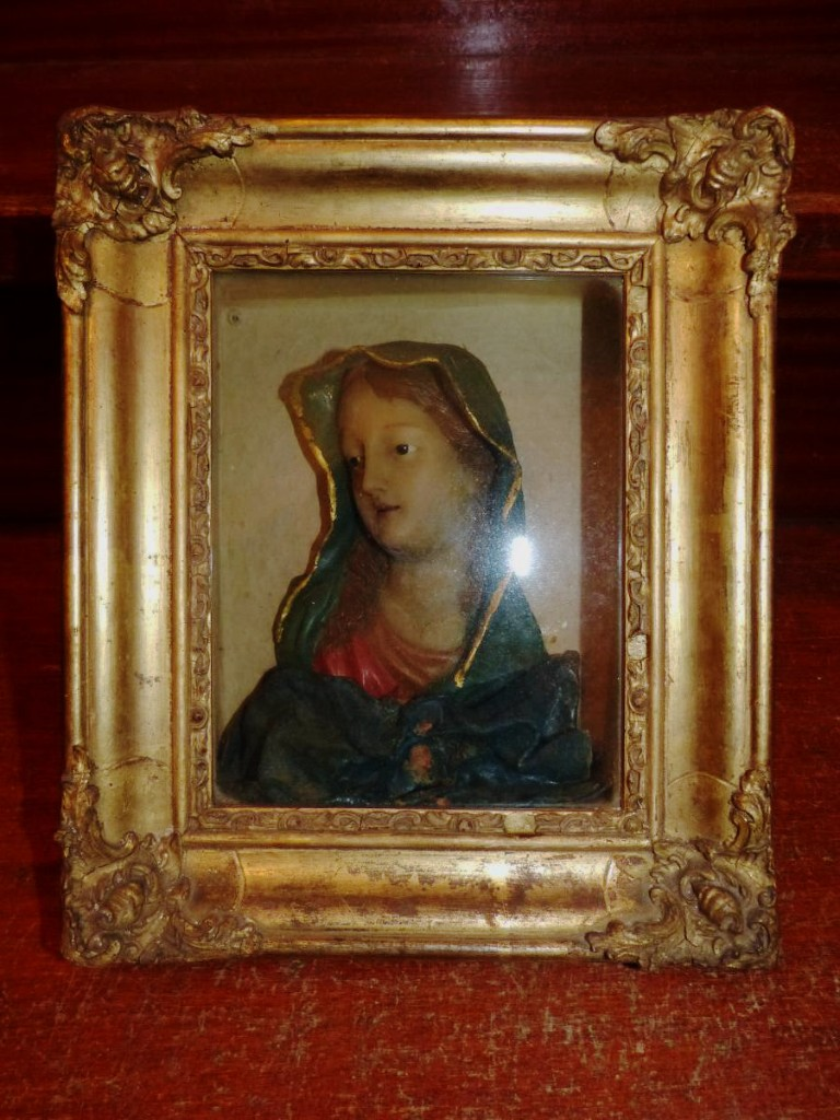 Bust Wax Virgin Mary In The Box With Golden Frame, 19 ° S.