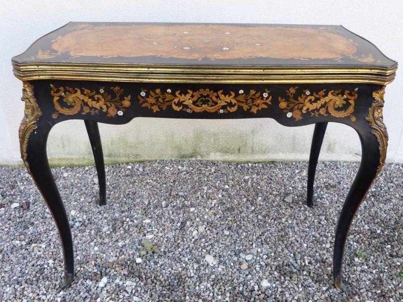 Table à Jeux Napoléon III Marqueterie Et Bronzes Dorés