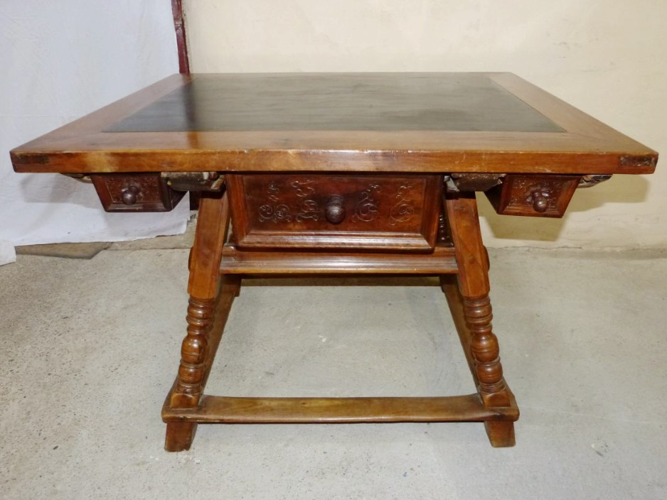 Swiss Changer Table Top Of Slate, Era 17th Century