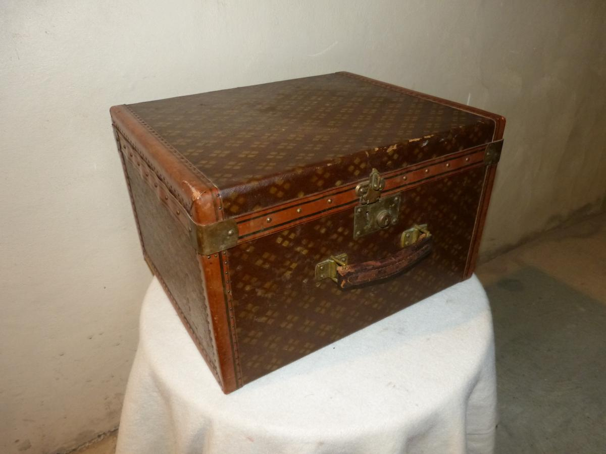 In The United States: Travel Trunk In Canvas And Leather Early Twentieth