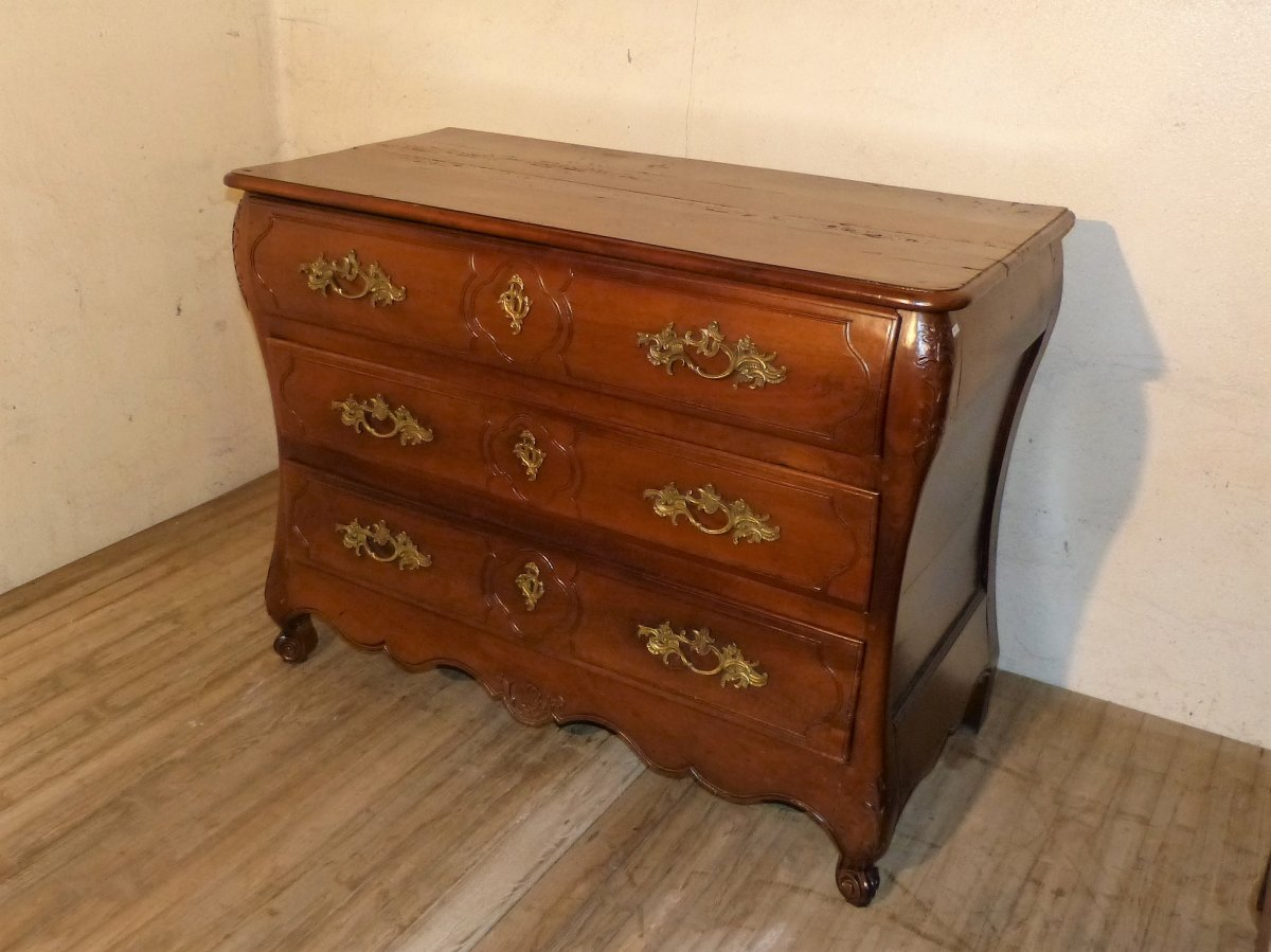 Curved Louis XV Commode In Walnut 18th Time