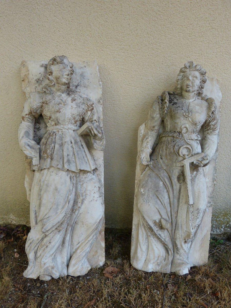 Paire De Statue Renaissance En Pierre Calcaire Hauteur 86 Cm