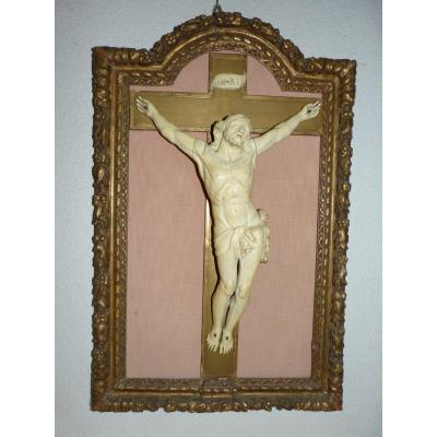 Important Christ Ivory Epoque Eighteenth In Its Golden Frame