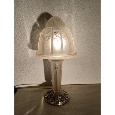 Hettier & Vincent, Art Deco Mushroom Lamp In Pressed Glass