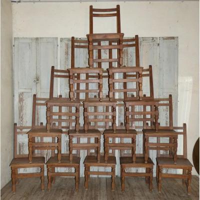 Série De 15 Chaises En Noyer époque 19ème