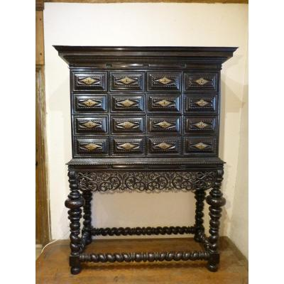 18th Century Portuguese Cabinet In Rosewood With 10 Drawers