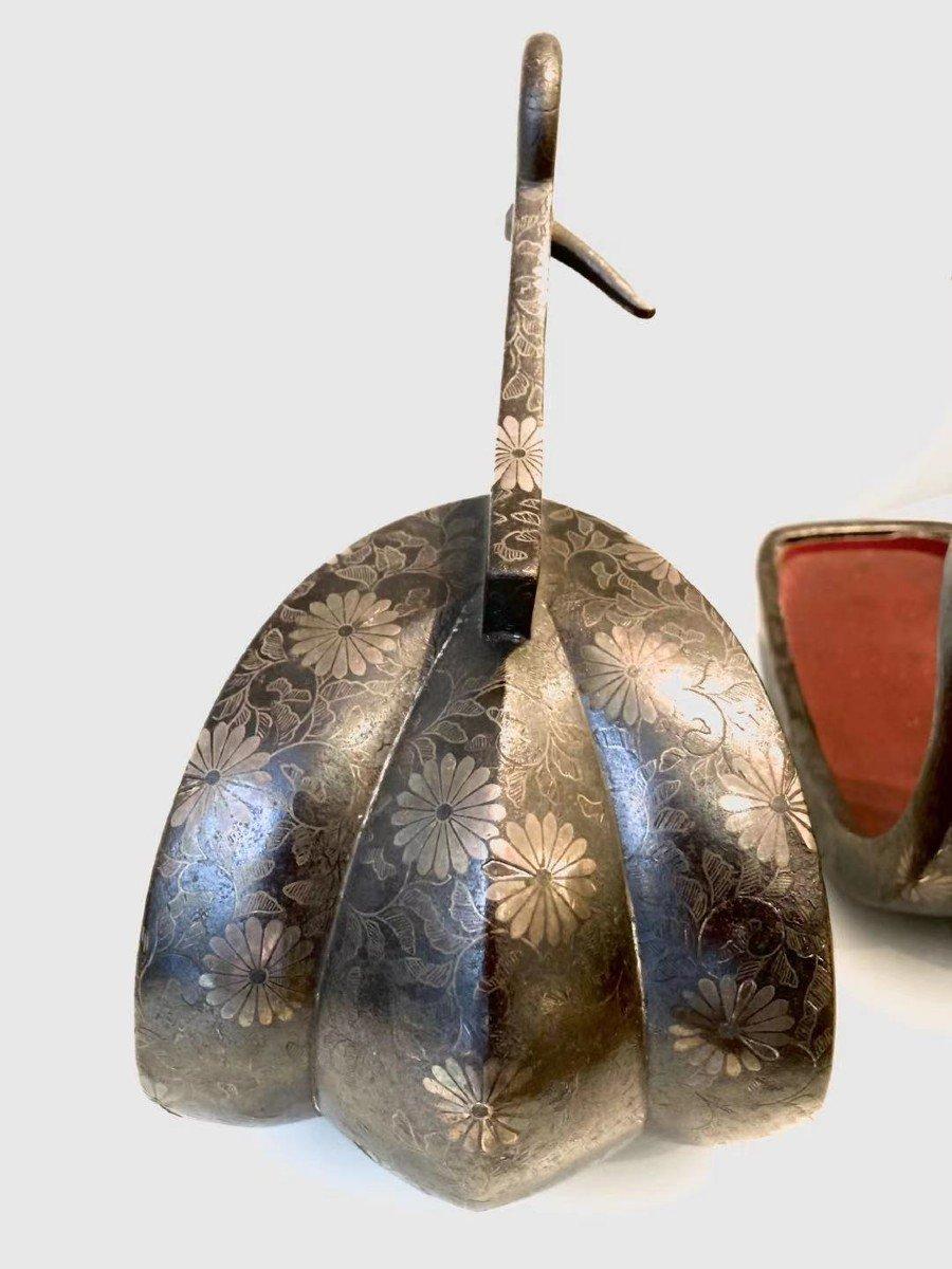 Paire d'Abumi (étriers) En Fer Et Incrustations d'Argent. Japon, XVIIIème -XIXème Siècle-photo-2