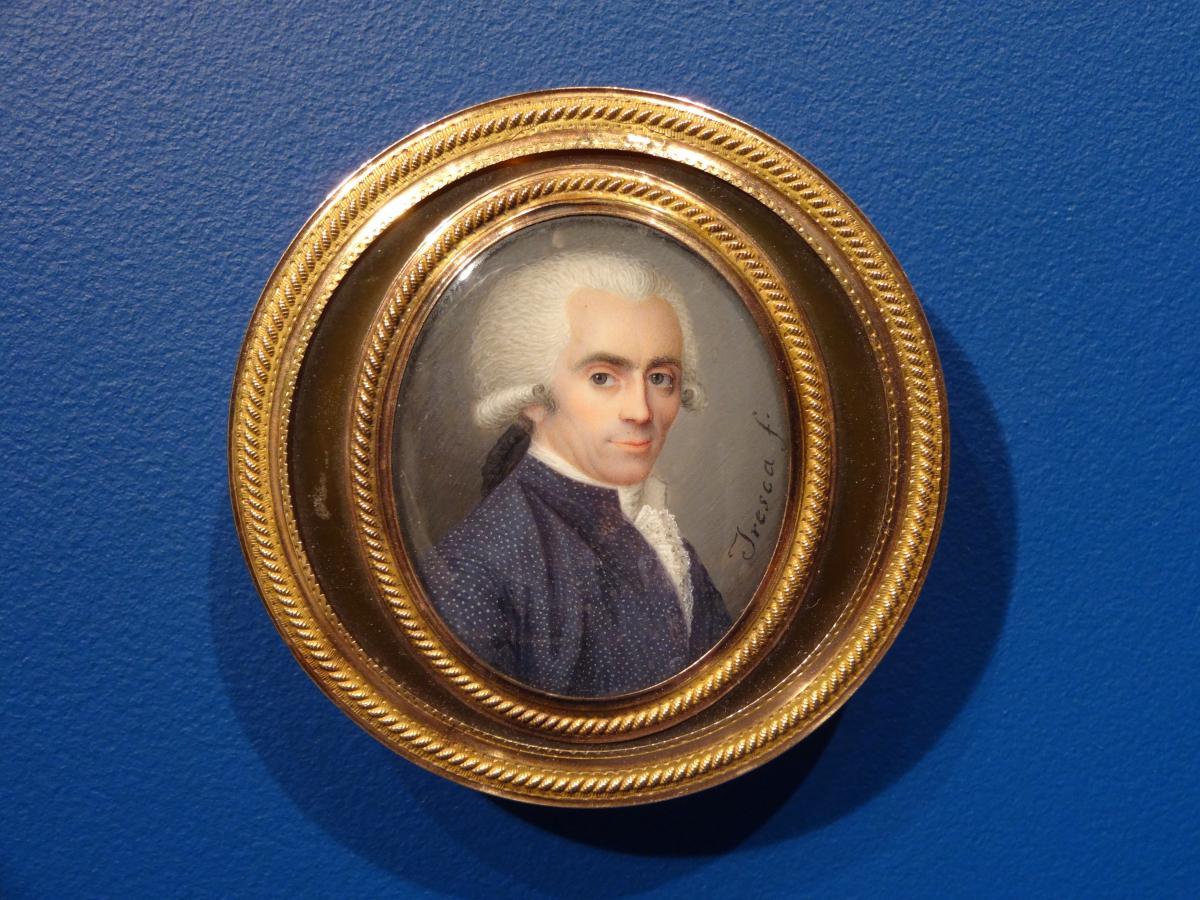 Bonbonnière en écaille double face, miniatures, fin XVIIIe