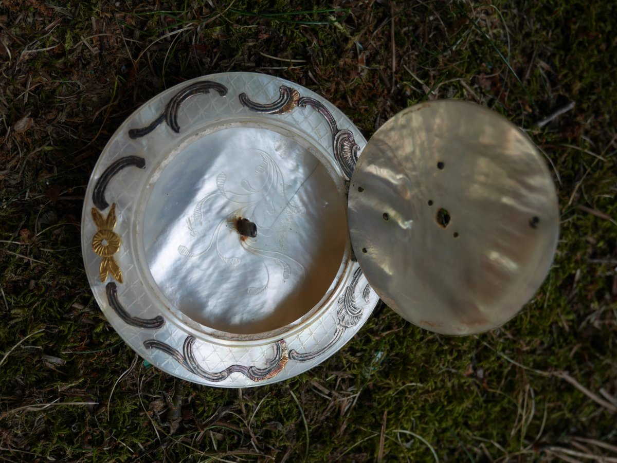 Lampion In Nacre And Silver Mount, Louis XV