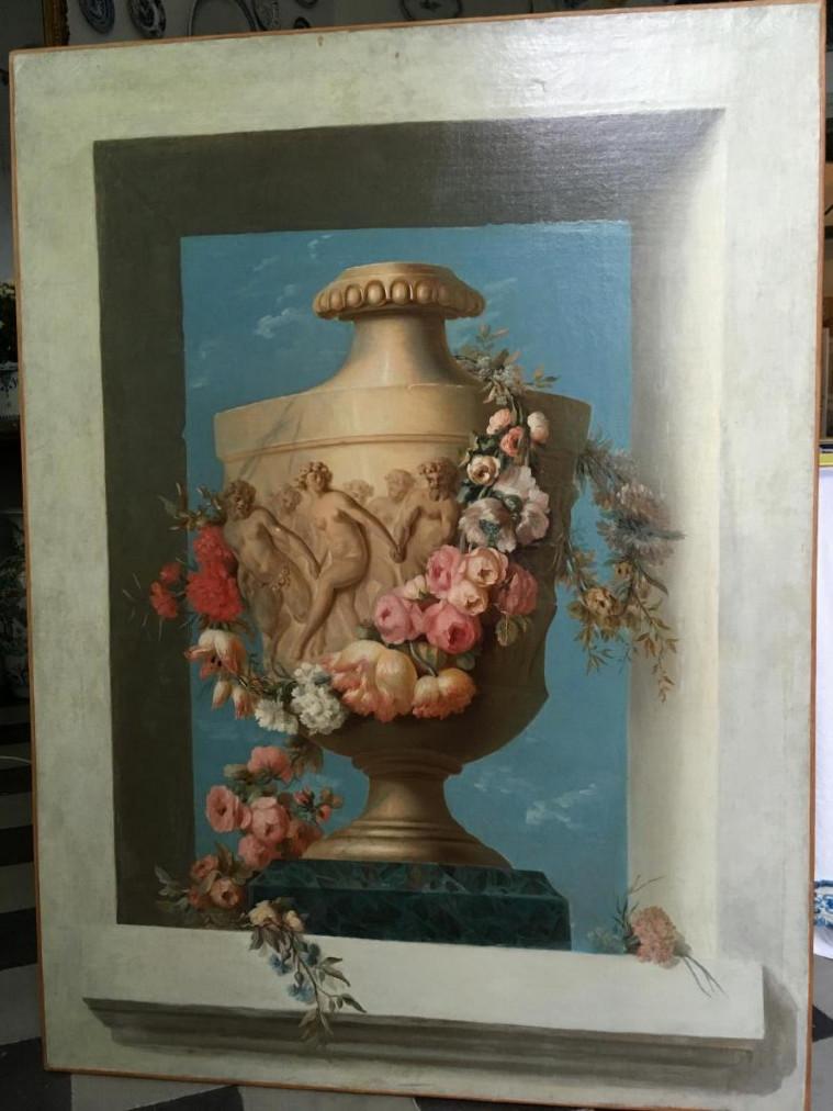 Important Tableau Representant Un Vase à Decor Mytholoqique Dans Une Niche