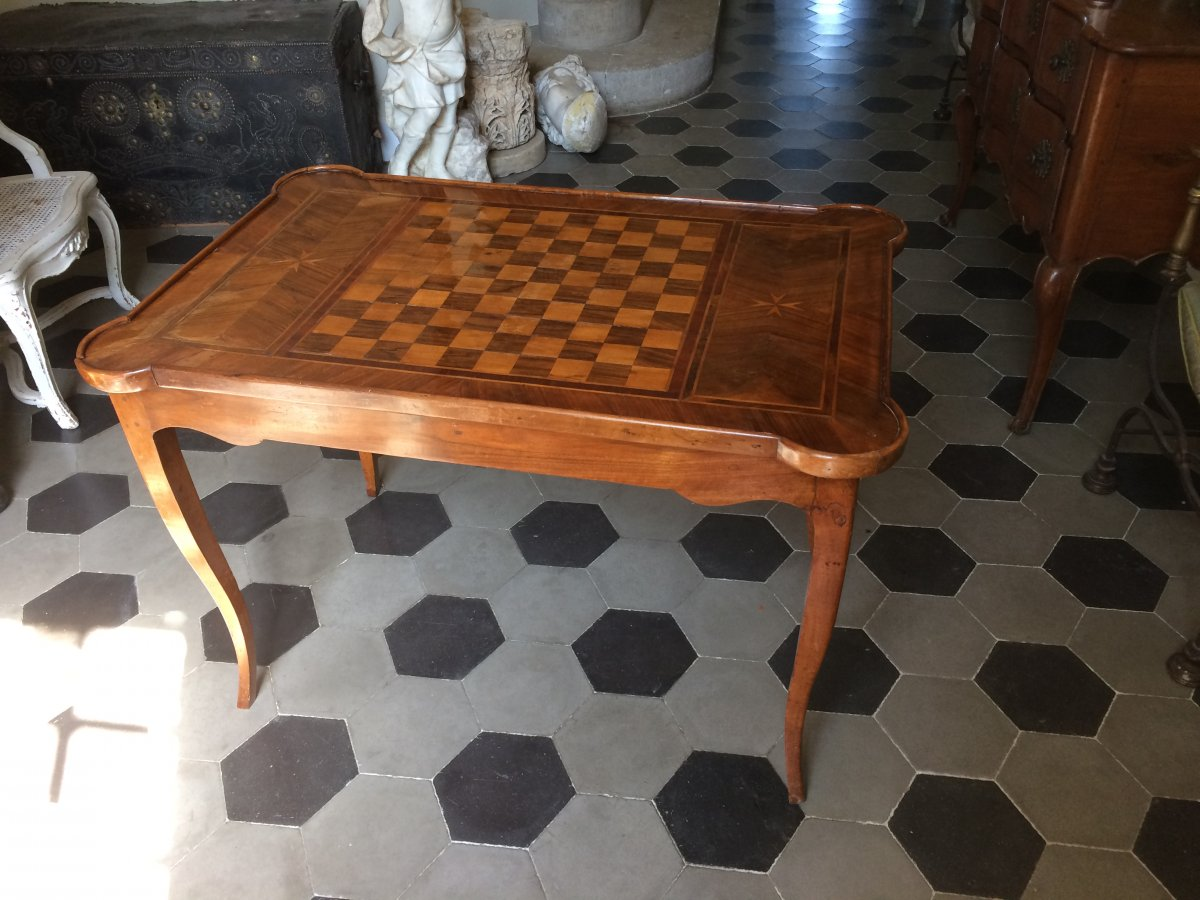 Table Tric Trac En Noyer d'époque Louis XV