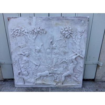 Plaque En Plâtre Représentant Une Scène De Chasse à l'Antique