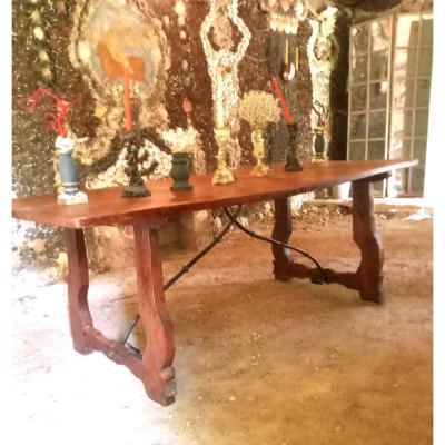 Table Espagnole En Noyer Ciré . Epoque XIX Eme