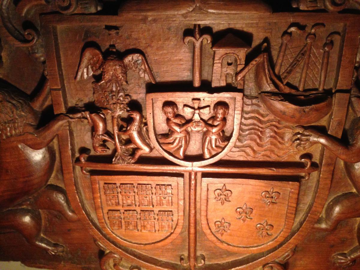 Blason Sculpté Sur bois