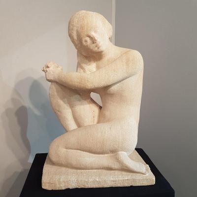 Sculpture En Pierre Art Deco