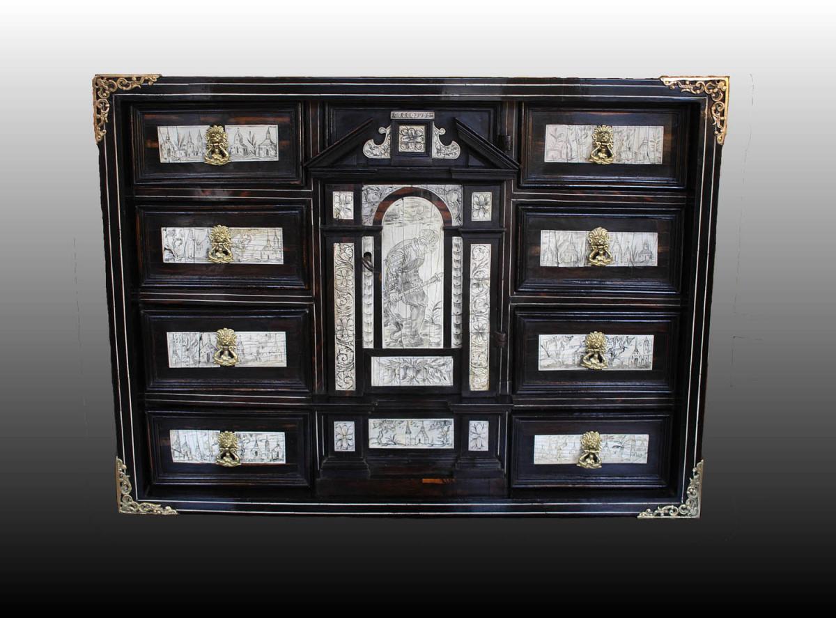 Cabinet D'époque XVIIème