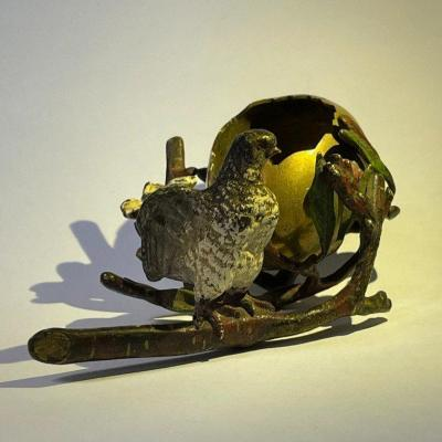 Bronze de Vienne Oiseau sortant de sa coquille