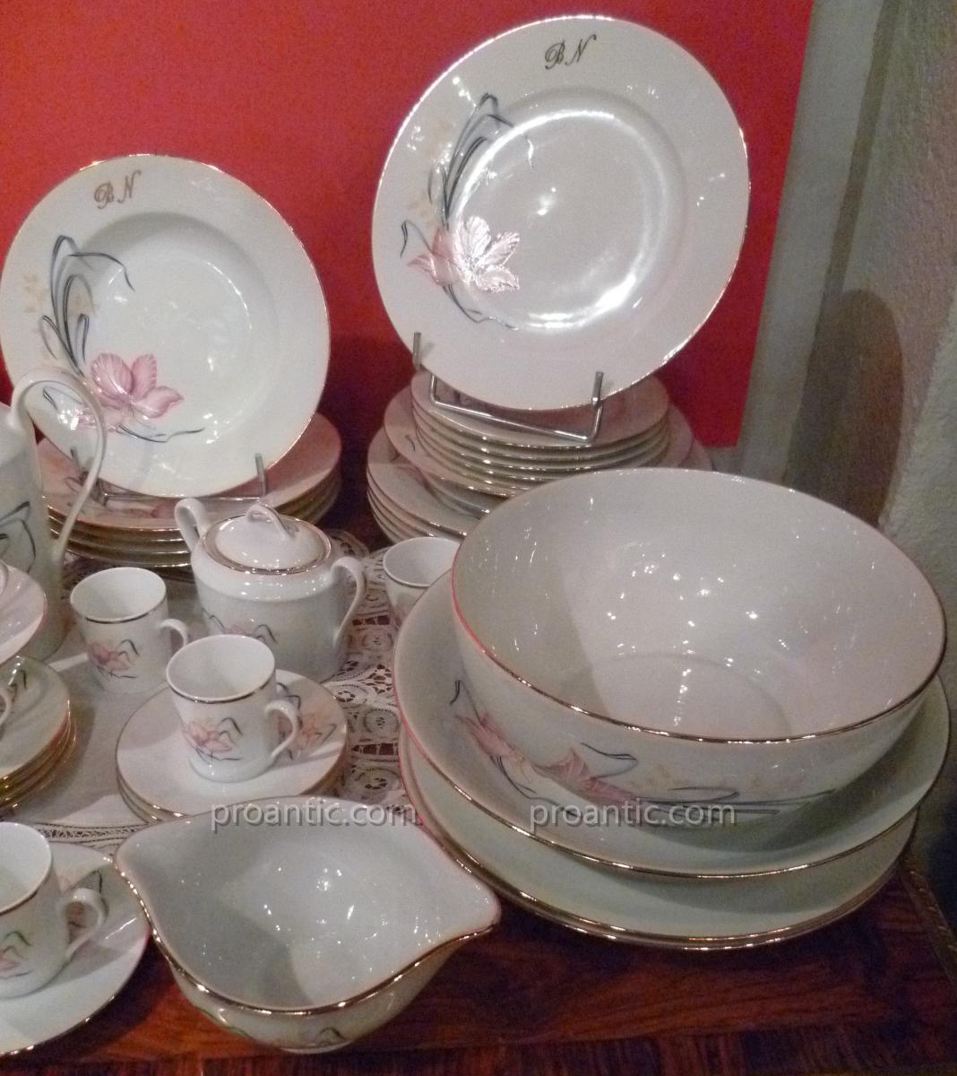Service de table porcelaine de limoges jb de saint eloi for Service de table cora