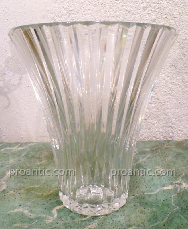 Vase En Cristal Estampillé Baccarat