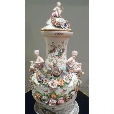Grand Vase Couvert En Porcelaine XVIII°