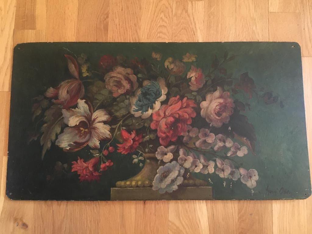 Bouquet De Fleurs Sur Un Entablement