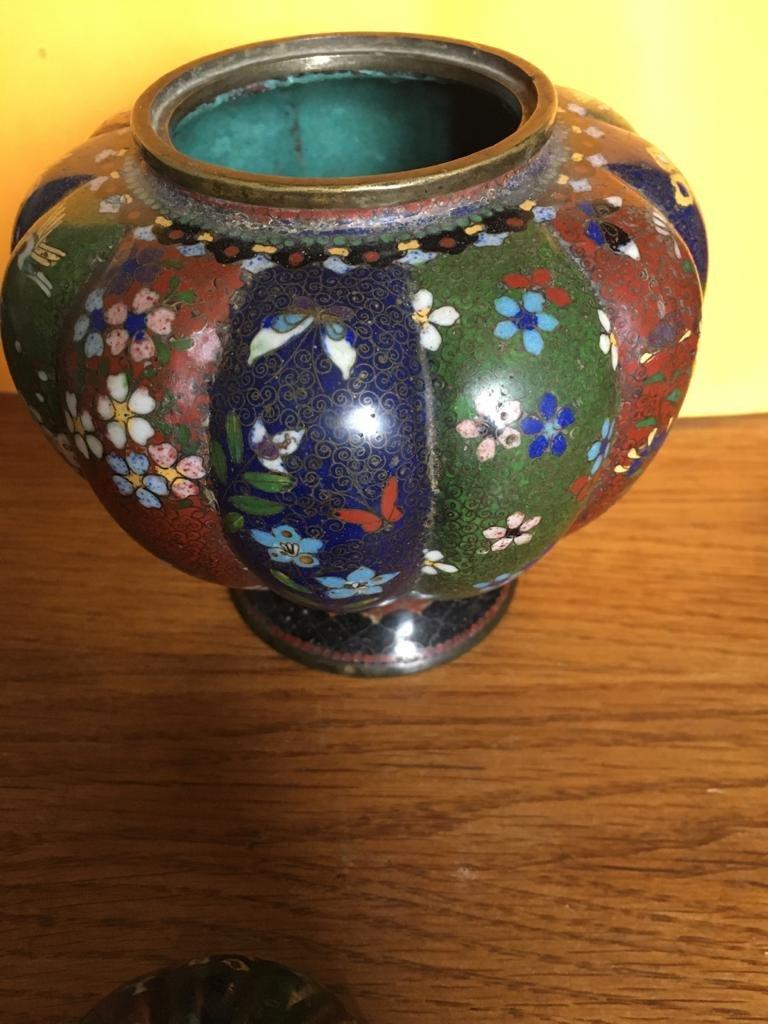 Paire de vases en émail cloisonné -photo-4