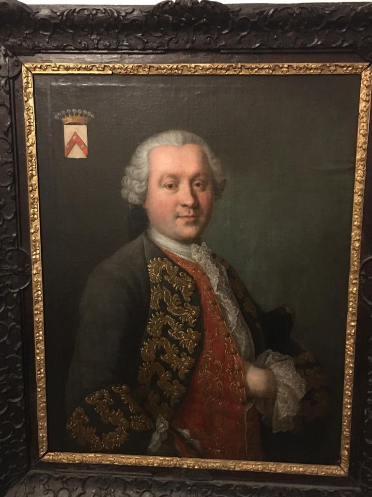 Paire De Portraits d'Aristocrates -photo-7