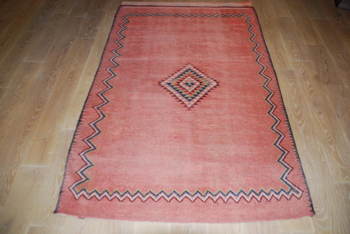 tapis ancien marocain 217cmx137cm tapis tapisseries. Black Bedroom Furniture Sets. Home Design Ideas