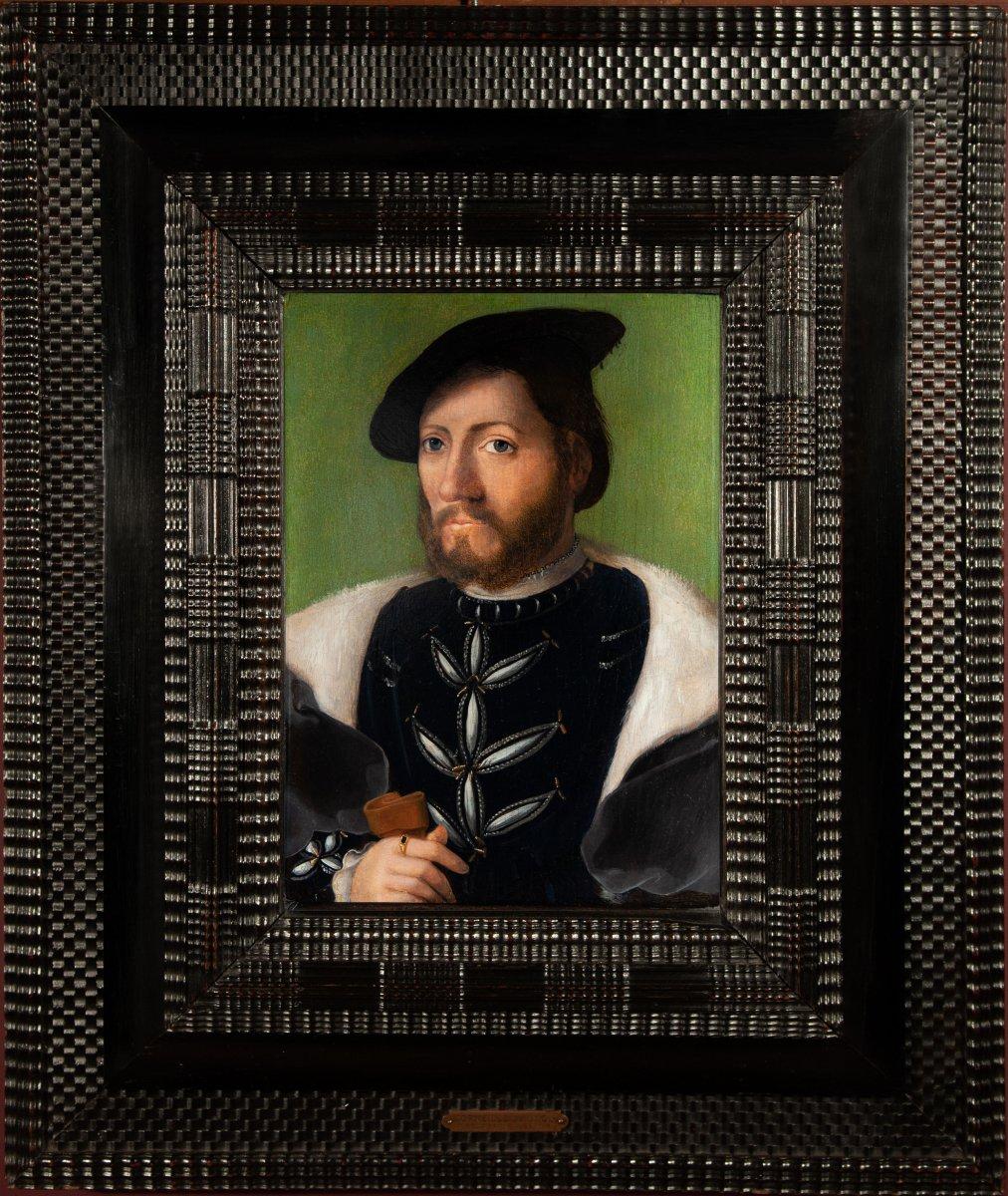 Atelier De Corneille De Lyon (1500-1575). Portrait D'un Jeune Homme Au Toquet Noir