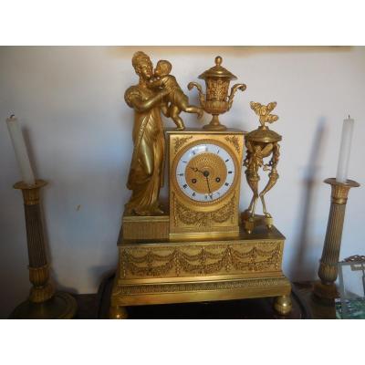 Pendule à La Duchesse De Berry Signée Pickard à Paris  Bronze Doré époque Restauration Début XIXeme