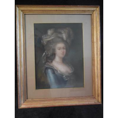 Portrait de Marie Antoinette  Pastel école Française Du XIX M Suiveur de Elisabeth Vigée Lebrun