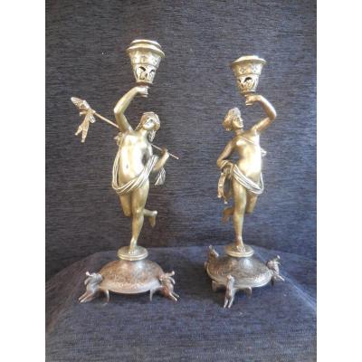 Paire De Bougeoirs Aux Muses En Bronze Par Alfred Daubrée  époque XIXe
