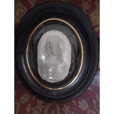 Medallion Miniature Semi-relief Lady Of Quality By Schrodl Austria Nineteenth