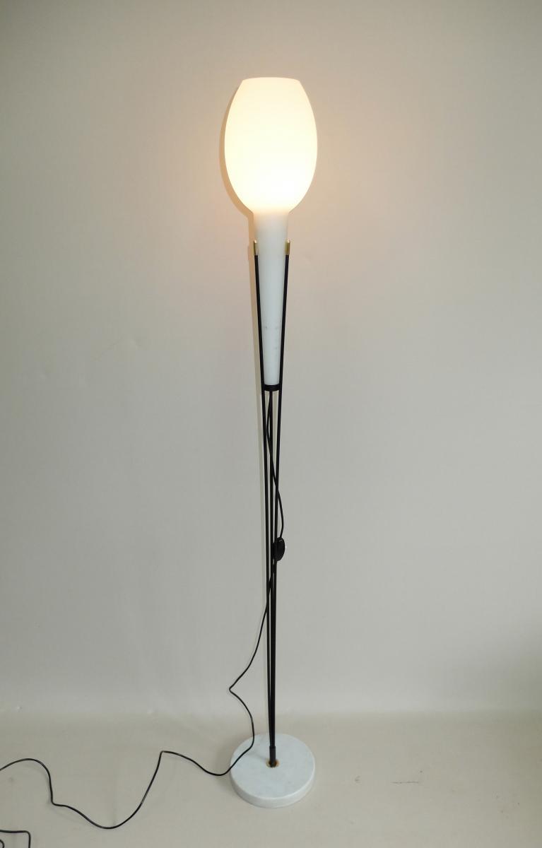 lampadaire stilnovo 1950 verre opalin lampadaires. Black Bedroom Furniture Sets. Home Design Ideas