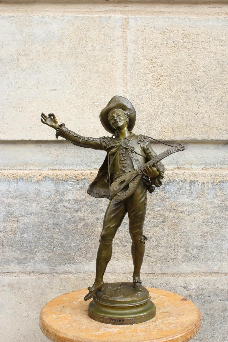 "Bronze  ""Figaro""  de Auguste Moreau"
