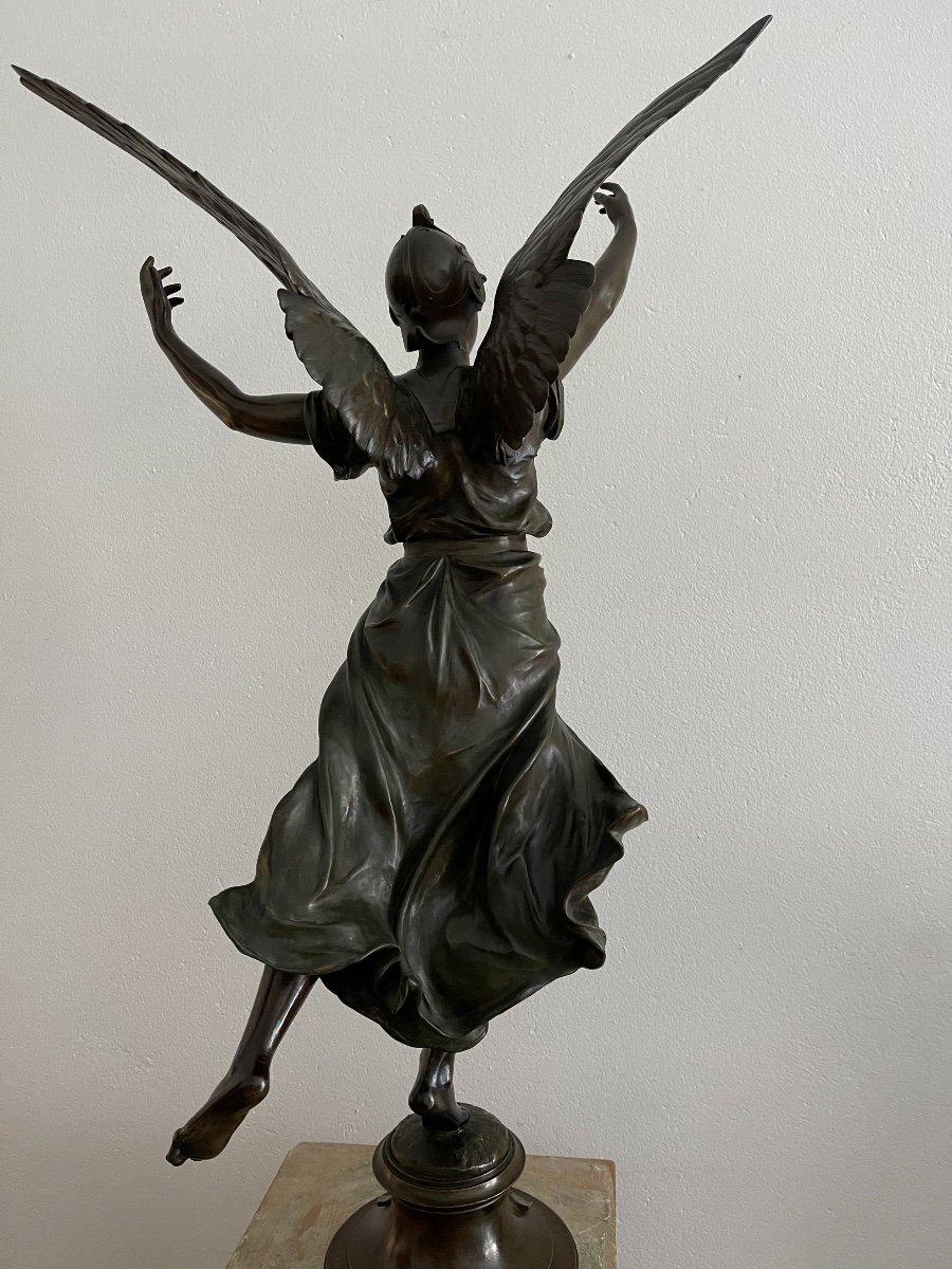 "Sculpture en bronze ""La Victoire"" de Marioton-photo-3"