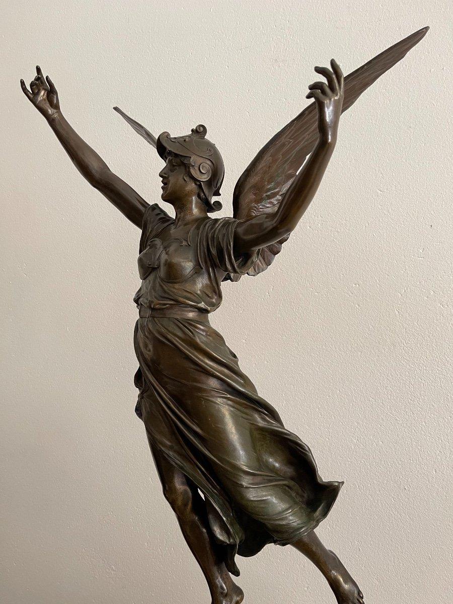"Sculpture en bronze ""La Victoire"" de Marioton-photo-1"