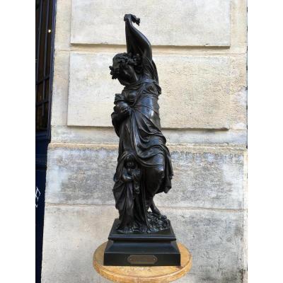 """Sculpture en bronze  """" L'Hiver """" signée Carrier Belleuse"""