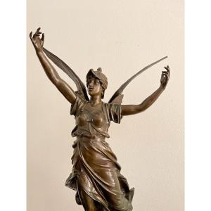 """Sculpture en bronze """"La Victoire"""" de Marioton"""