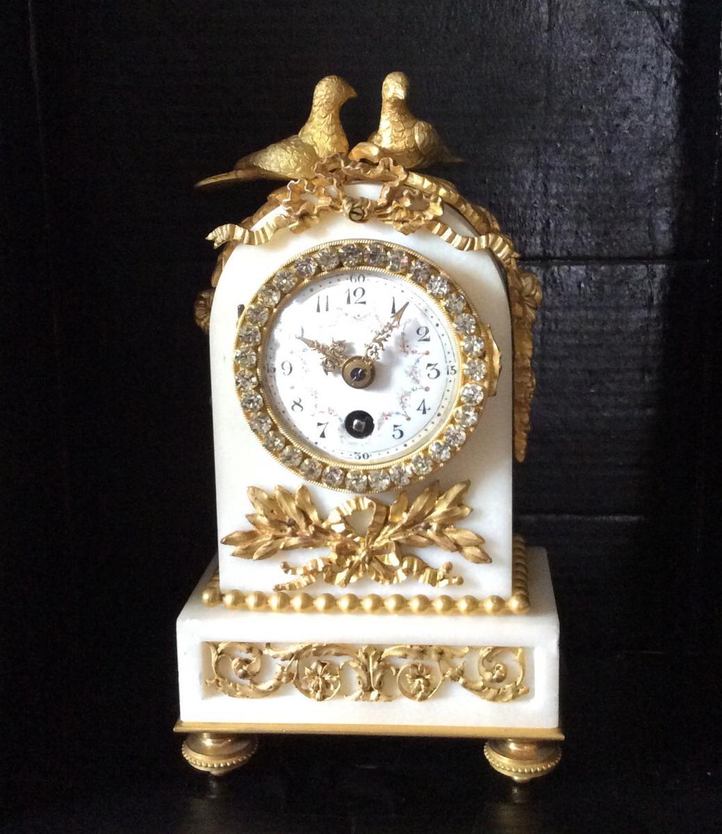 Pendulette  Marbre Et Bronze De Style Louis XVI