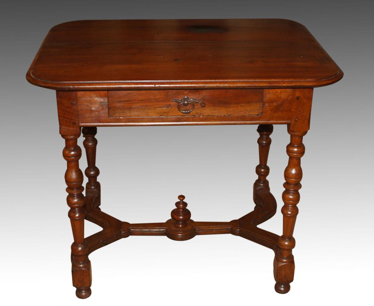 Table En Noyer, époque Louis XIV