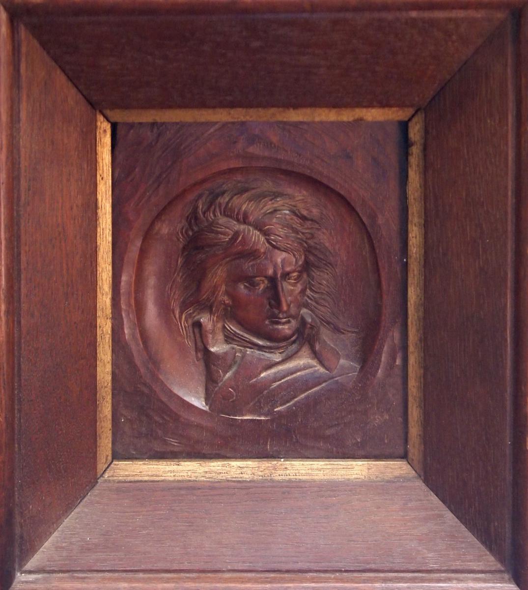 ronde bosse napoleon sculpture wood. Black Bedroom Furniture Sets. Home Design Ideas