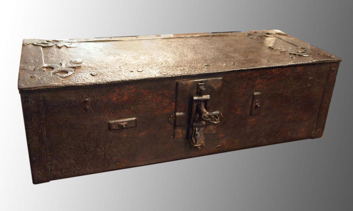 Box Wrought Iron, End 16th Or Early 17th Century
